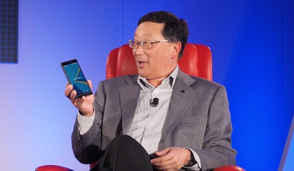 john-chen-blackberry-deja-fabricar-hardware