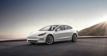 Gana un Tesla model 3 gratis
